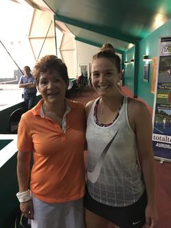 Women's Club Finalist Myrna Gomez Winner Monica Polokovic Agent Early Bird