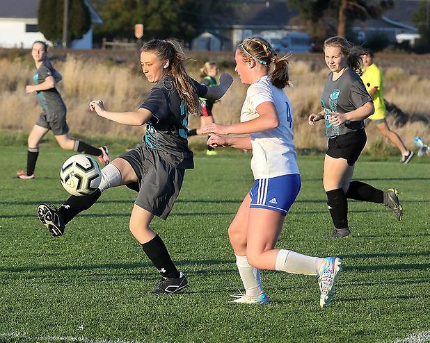 SoccerGirls-1.jpg
