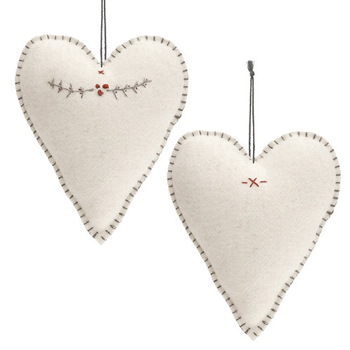 LARGE EMBROIDERED HEART - WHITE