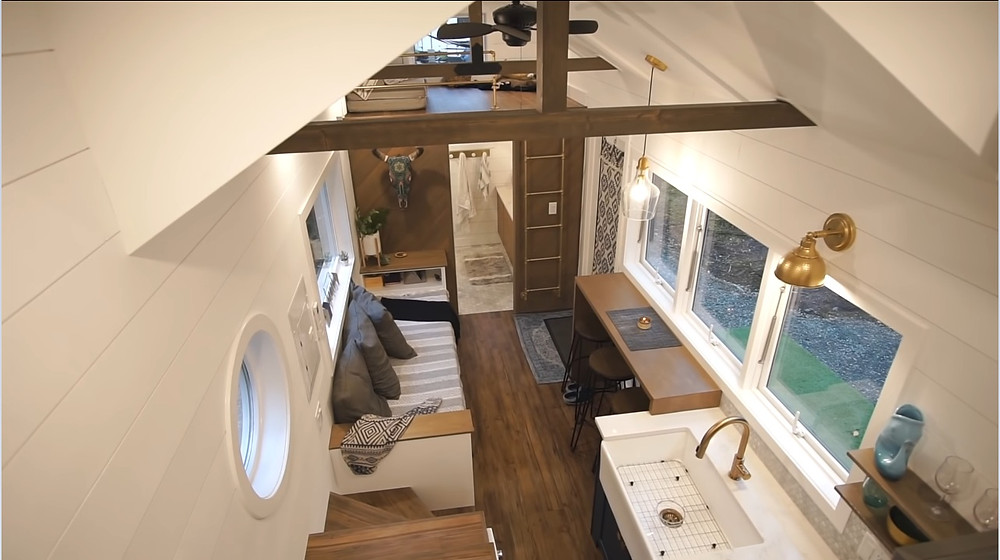 Woman S Modern Tiny House Is Super Spacious Has Space To