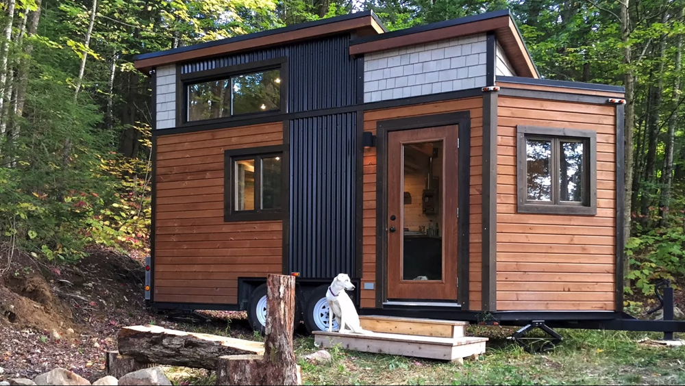 Adorable 16 foot trailer TINY HOUSE with surprisingly