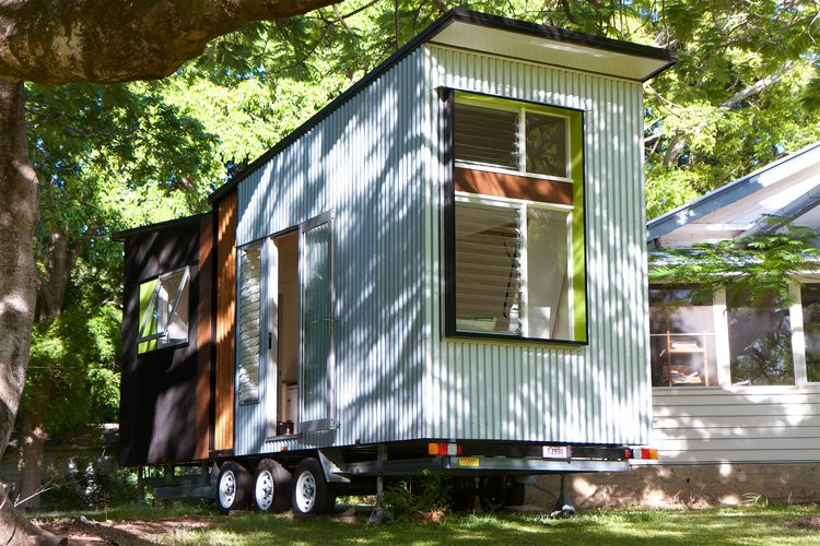 #tinyhomeonwheels #cabinliving #skoolieconversion #rvliving #cabininthewoods #tinyhousecommunity #homedecor #house #minimalist