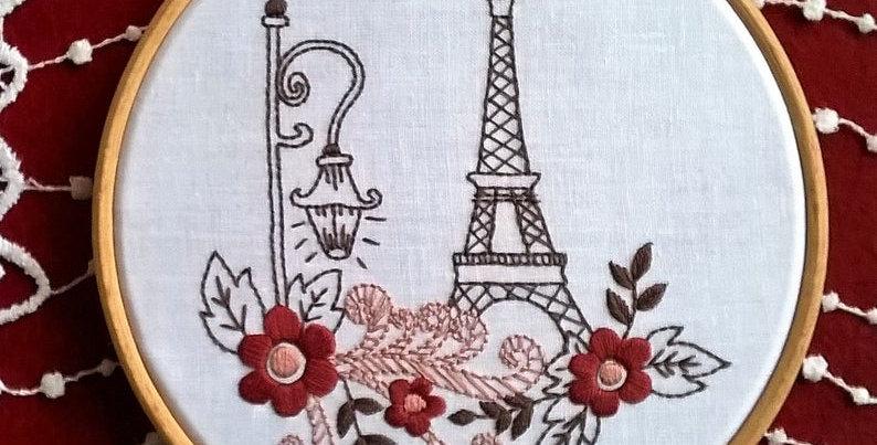 kit de broderie traditionnelle - tour Eiffel blanche