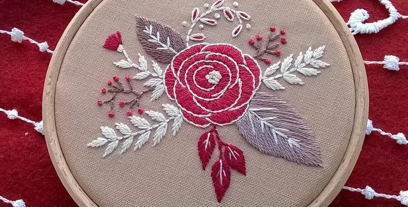 Kit de broderie traditionnelle  - Rose et bouquet de fleurs