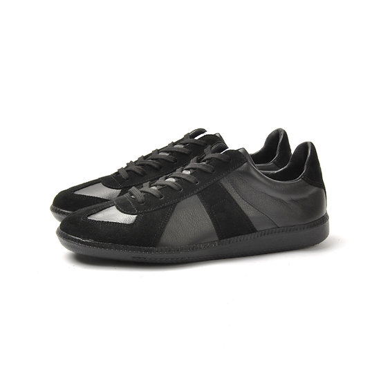 NOVESTA German Trainer Black