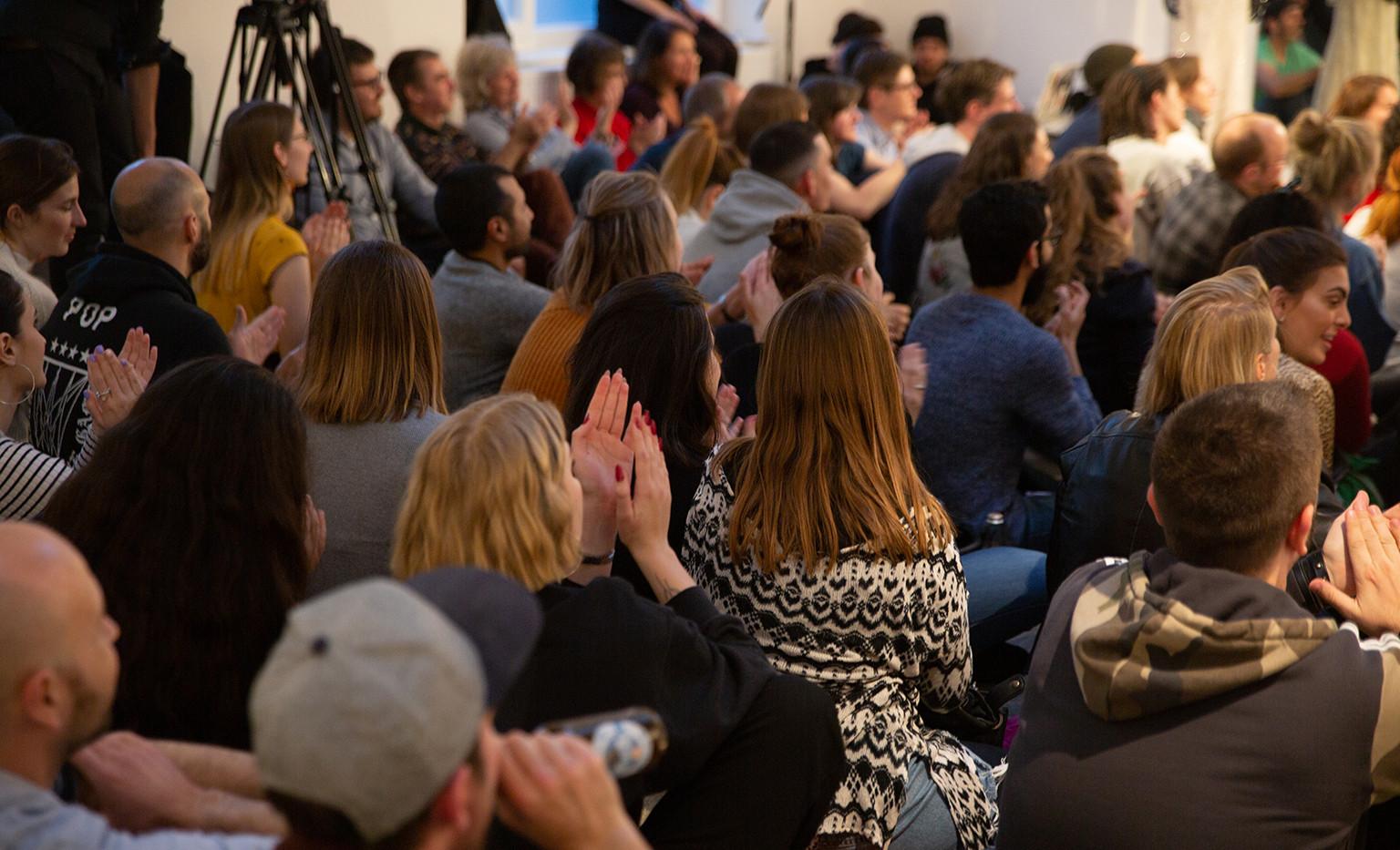 Das Publikum! The audience!