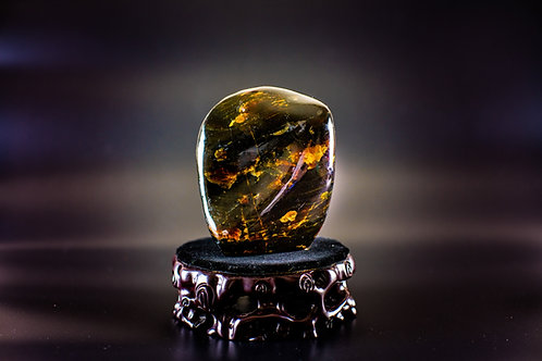 K032  天然緬甸琥珀原石擺件 356g         RMB2178.00