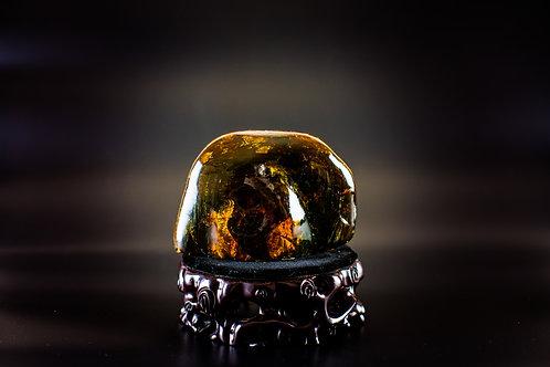 K025  天然緬甸琥珀原石擺件 298g         RMB1828.00