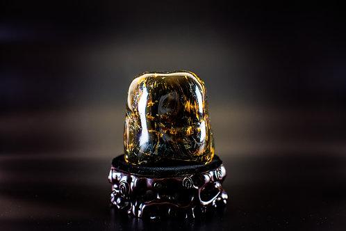 K045  天然緬甸琥珀原石擺件 590g         RMB3618.00