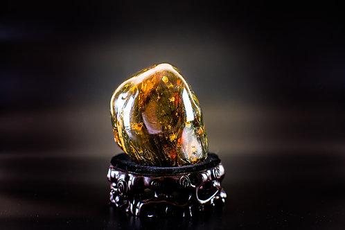 K048  天然緬甸琥珀原石擺件 538g         RMB3298.00