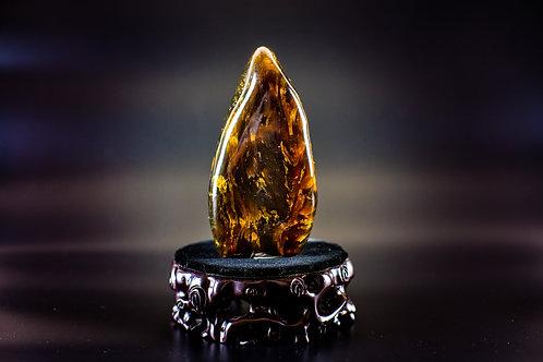 K035  天然緬甸琥珀原石擺件 307g         RMB1880.00