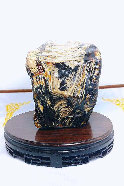K063  天然琥珀原石擺件  產地:緬甸  重量:1048克   RMB:5738.00