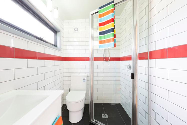 Bathroom in a 7 x 4m Mallee design
