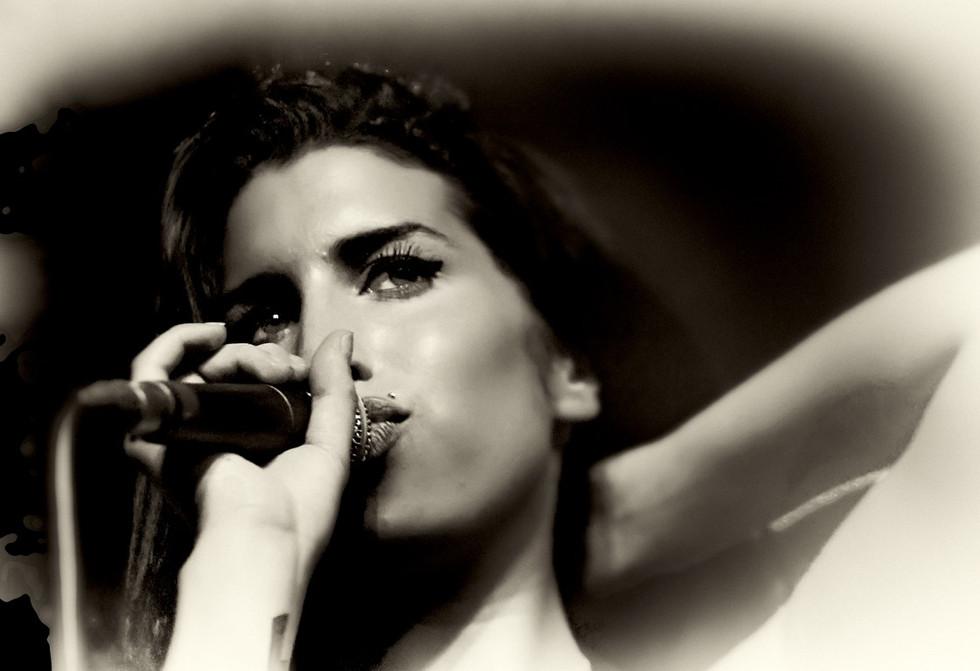 Amy Winehouse-5312bw (1).jpg