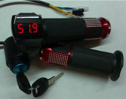 Ручка газа с вольтметром