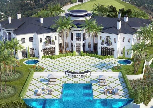 mega_mansions_103597443_553341525357443_