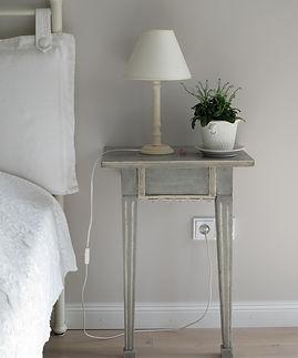 bedroom-1208001_1920.jpg