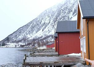tromsø_rorbu_montagnes_neige
