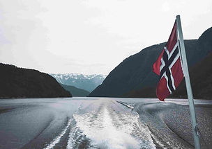 eidfjord_bateau_croisière_drapeau