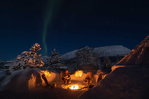 camp tamok_aurores_boréales_feu_neige