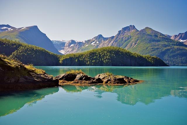 fjord_scénique_montagne.jpg