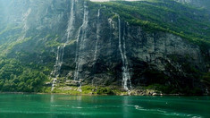 fjord_été_cascade_nature.jpg
