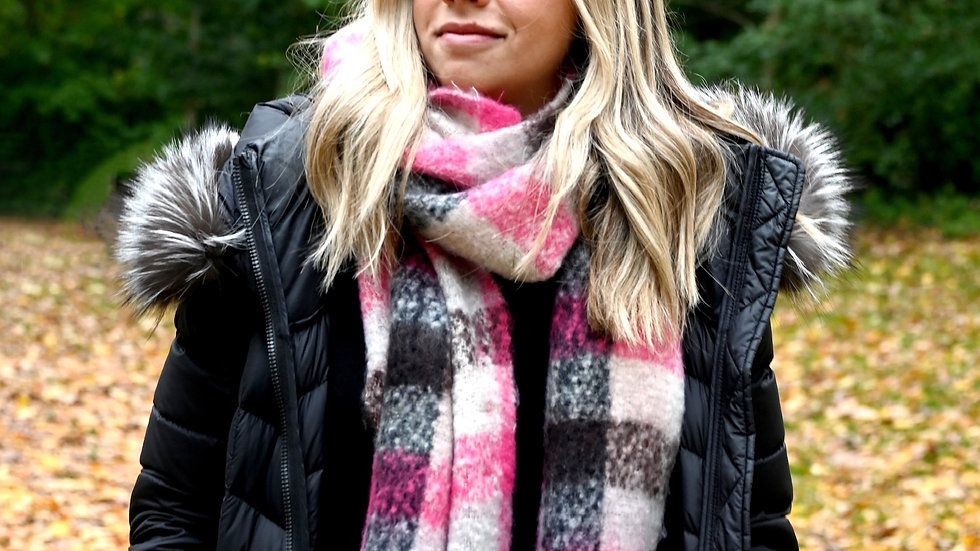 Jenny Wooh Fuzzy scarf