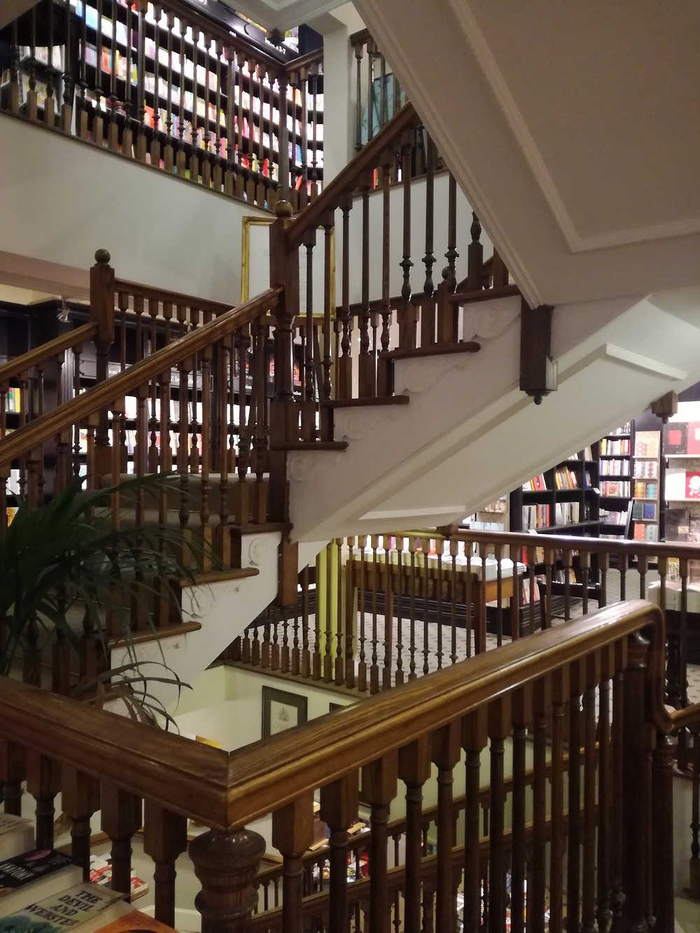 Top Livrarias em Piccadilly-Hatchard's Piccadilly by Nara Vidal