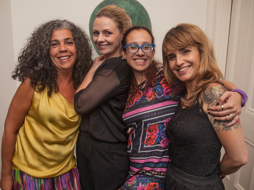 Equipe Do Rio pra cá: Sonaira D'Ávila, Nara Vidal e Daniela Paiva com Janaína Campoy