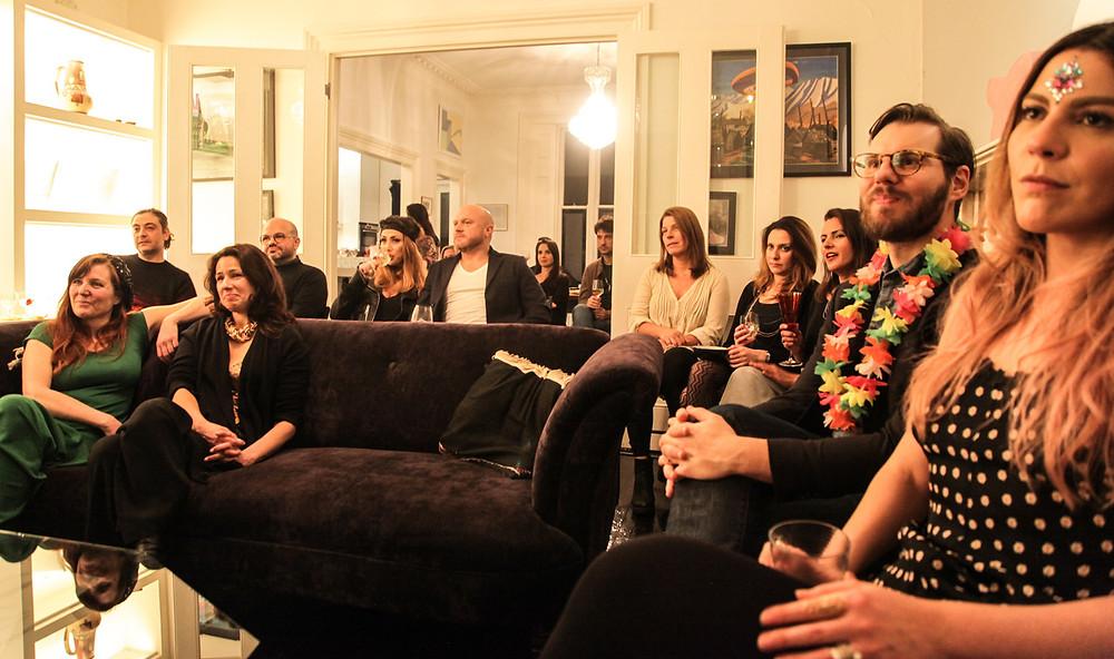 O público se deliciou com sambas antigos interpretados por Odila Giunta e Caco Barros