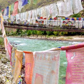 """""""Kuzuzampô-la"""",                                     Butão o reino da felicidade existe!"""