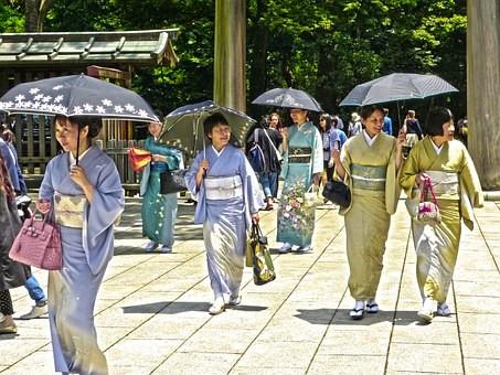 Japonesas de kimono