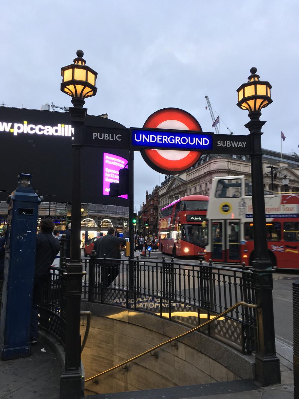 Dia a dia em Londres de underground