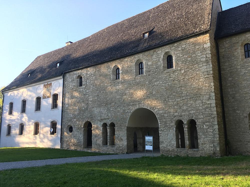 O Carolingian Gate Hall do século IX