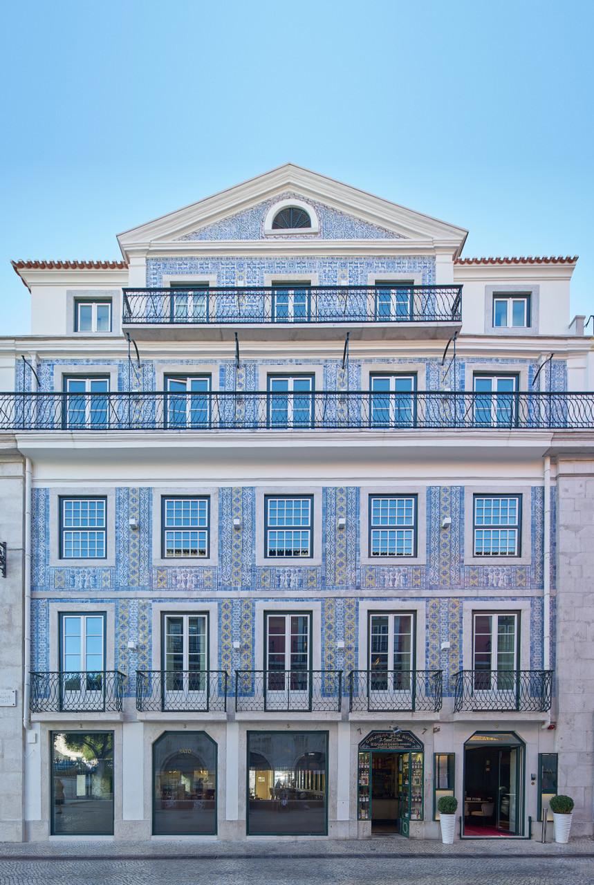 O Artista - Prédio recontruído com fachada em azulejos