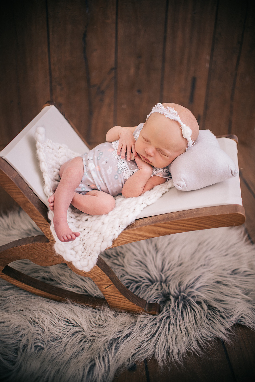 indoor newborn girl photoshoot