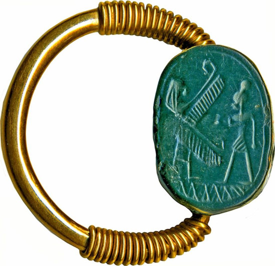 Phoenician Scarab with Worshiper and Winged Deity Set in a Gold Swivel Ring, 7th-5th century BC