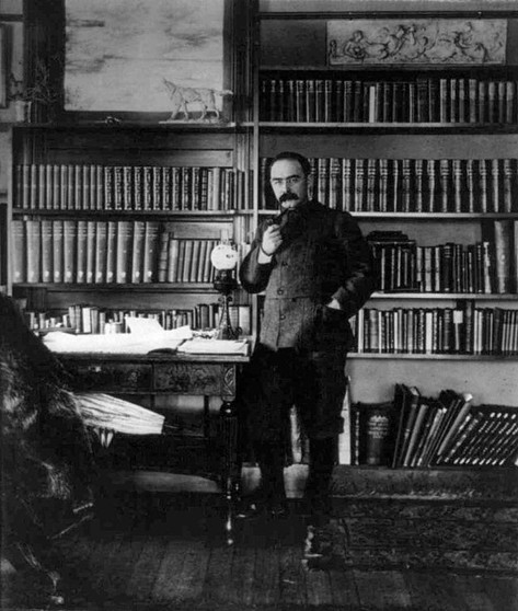 Rudyard Kipling, author of 'The Jungle Book', 1895.jpg