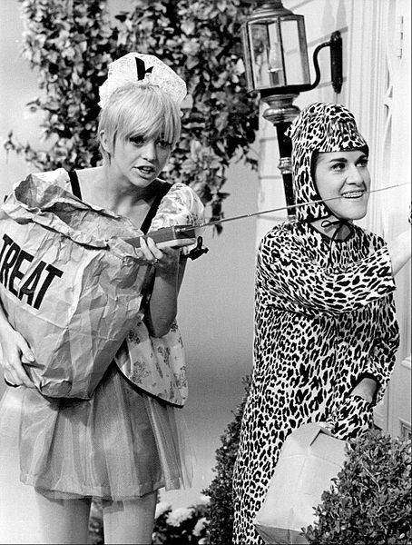 Publicity photo from Rowan & Martin's Laugh-in. Pictured are Goldie Hawn and Ruth Buzzi