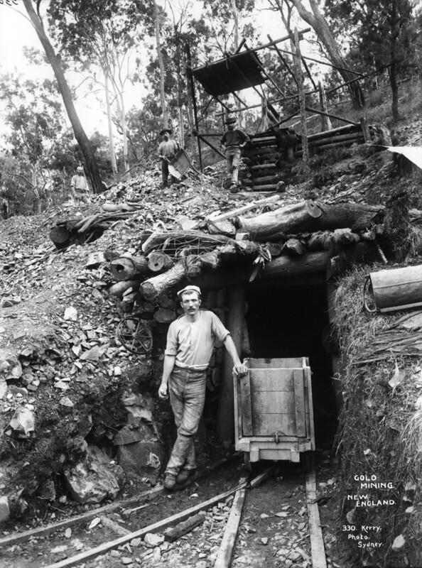 Gold mining, New England, Australia, c1900