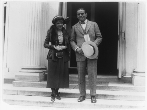 Douglas Fairbanks and Mary Pickford at White House, June 1920