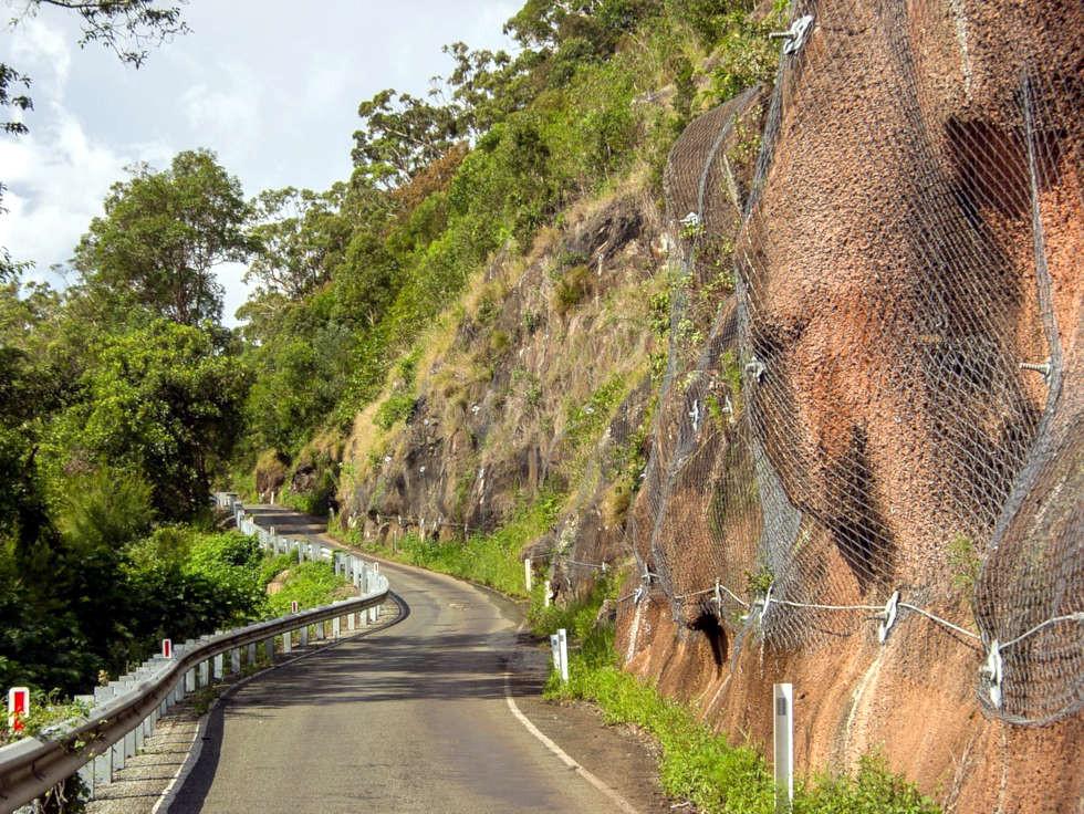 Consolidamento parete rocciosa