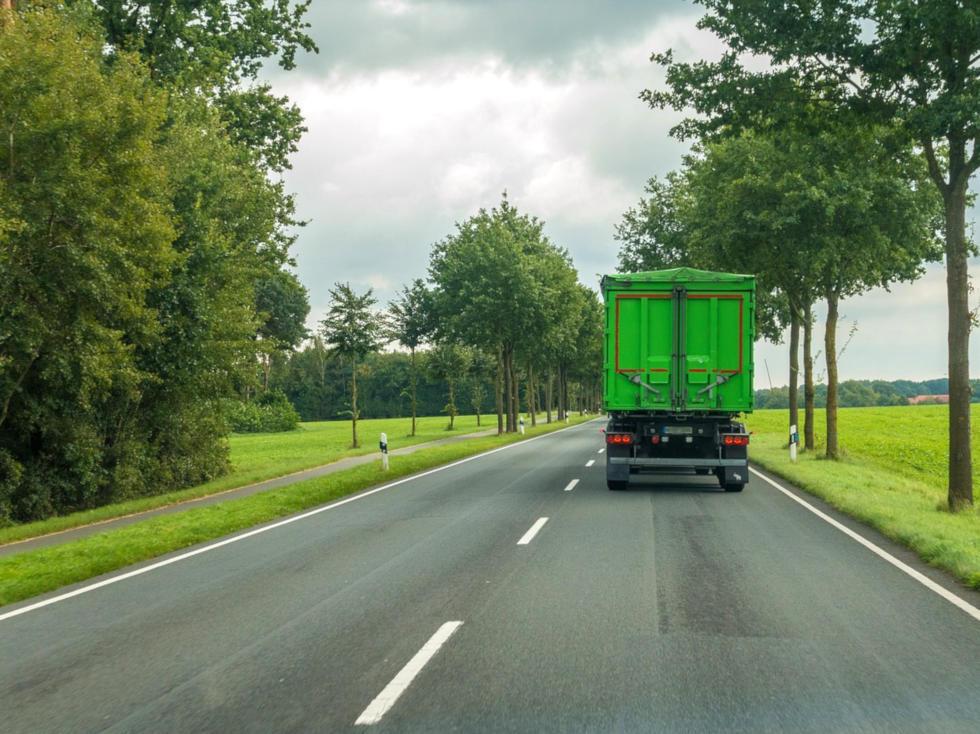 Trasporto merce su camion
