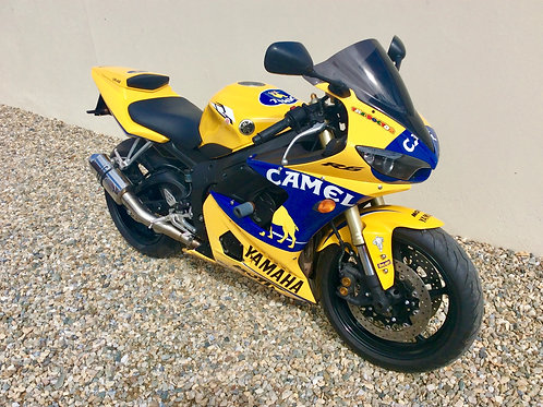 YAMAHA R6 IN CAMEL RACING COLOURS