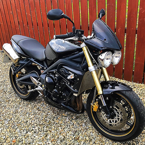 TRIUMPH STREET TRIPLE 675 - FITTED EXTRAS