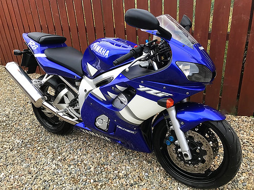 YAMAHA YZF R6  - 5EB CARB - 1,295 MILES FROM NEW + PRISTINE