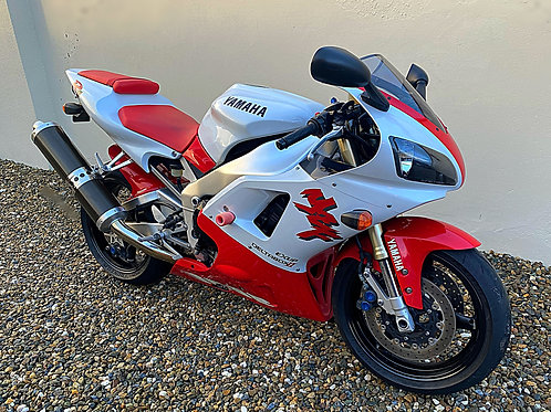 YAMAHA YZF R1 - 4XV - TOTALLY STANDARD - BIKE IS NOW SOLD