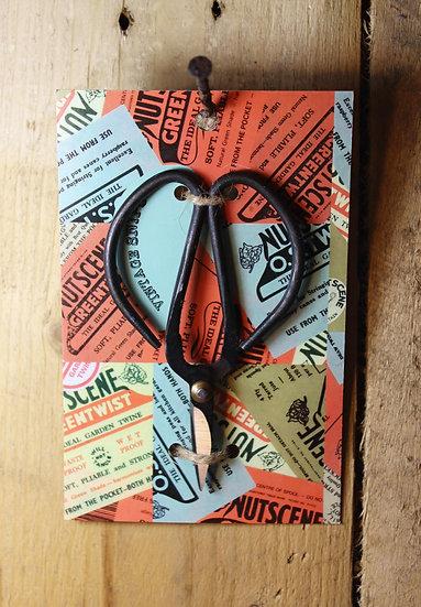 Nutscene small garden scissors