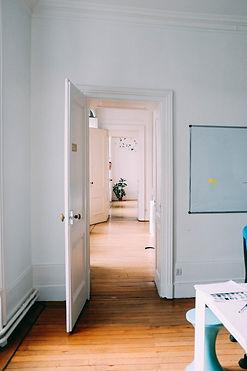 doors-open-in-white-house.jpg