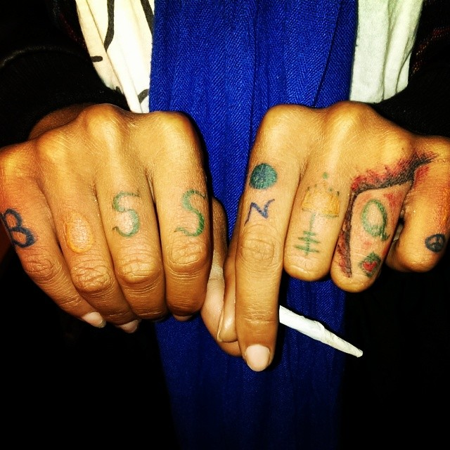 SisgoinIn #feelTheLightHandStingYou #ExquisiteTasteInk #hand #tattoos